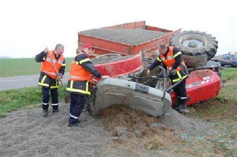 si鑒e de tracteur agricole articles de tracteuragricole2012 taggés quot tracteur benne culbutée quot page 4 tracteur vol de tracteur skyrock com