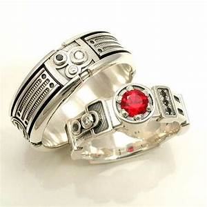20 movie inspired wedding rings awesome geeky couples for Star wars wedding rings