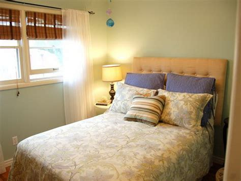simple bedroom paint colors bedroom simple guest bedroom paint colors for small space ideas to design guest bedroom paint