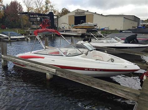 Crownline Boats Michigan by 2011 Crownline 195 Ss Powerboat For Sale In Michigan