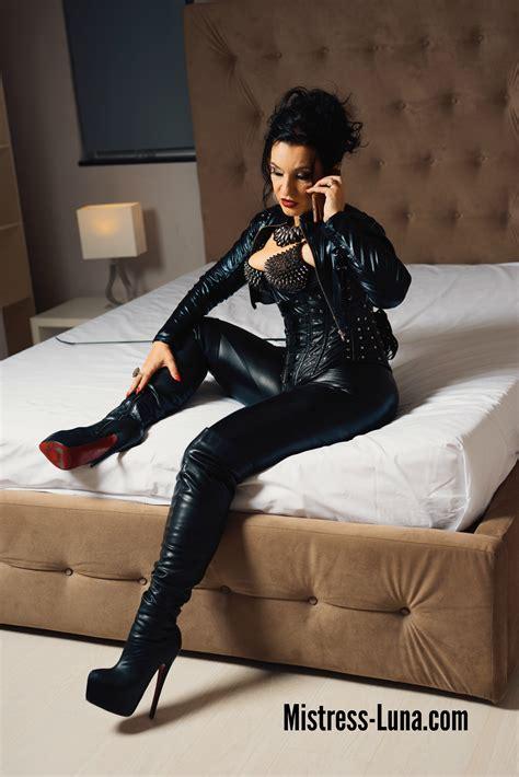 Leather Fetish Mistress Luna