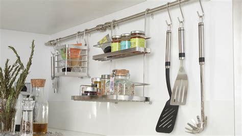etagere a epice cuisine dossier rangements en cuisine