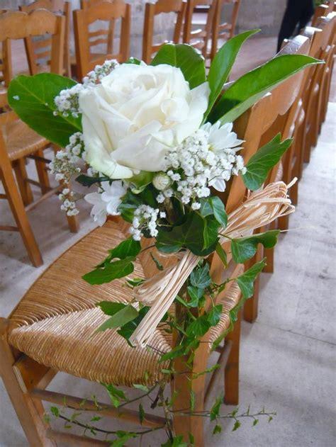 chaise d église lierre roe blanche gypsophile feuille de magnolia et