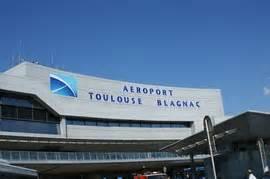 Hertz Aeroport Nice : location utilitaire toulouse a roport ~ Medecine-chirurgie-esthetiques.com Avis de Voitures