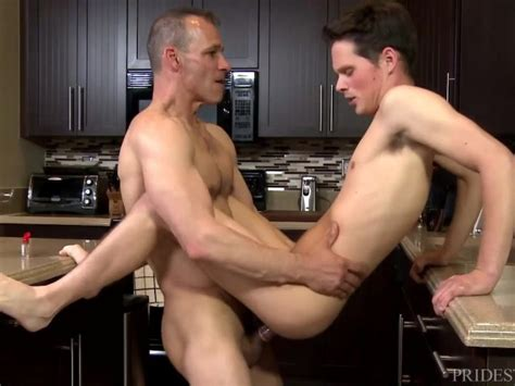Extrabigdicks Hung Daddy Hits On Sons Twinky Friend