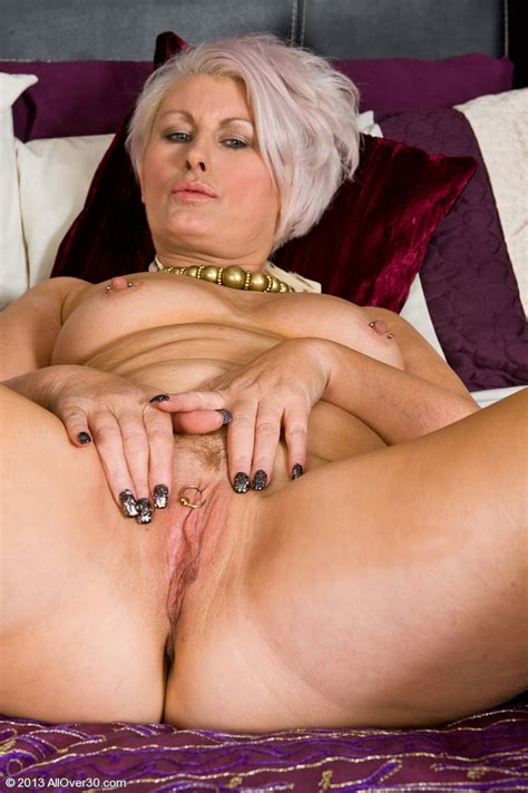 horny mature sally t touch her pink cherry milf fox