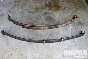 Mopar Rear Leaf Springs Suspension - Get Hooked Up