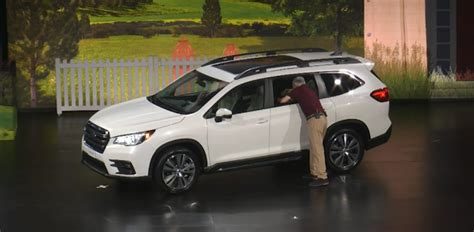 subaru reveals    ascent  row full gallery