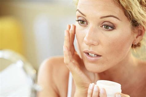 top 10 tips for keeping your skin glowing during winter
