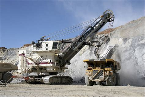 Bucyrus shareholders OK buyout by Caterpillar – The Daily ...