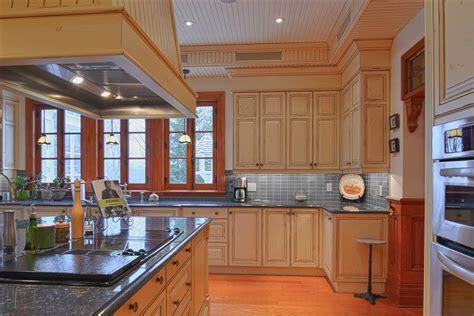 restauration armoires de cuisine en bois armoires de cuisine créations folie bois rive sud