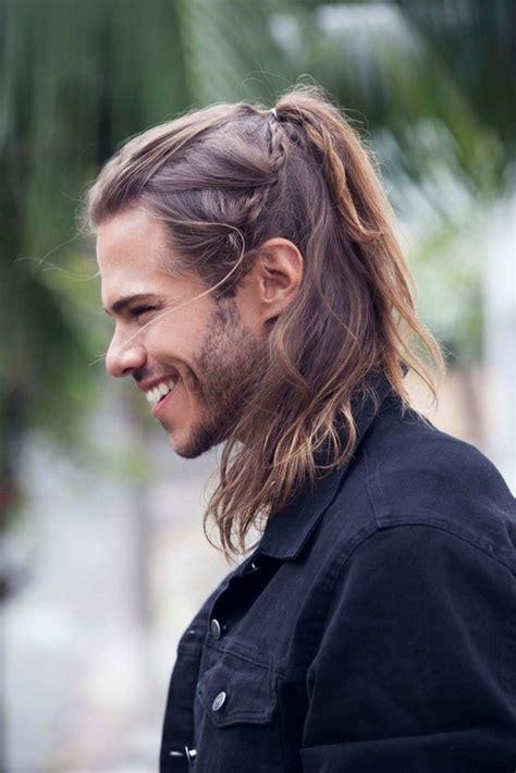 cheveux longs homme idees de coupes  conseils pour