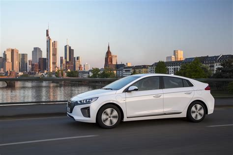 Hyundai Ioniq Phev Launches In Uk With Aggressive Pricing