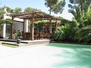 Merveilleux louer une villa avec piscine en france 1 for Louer une villa avec piscine en france