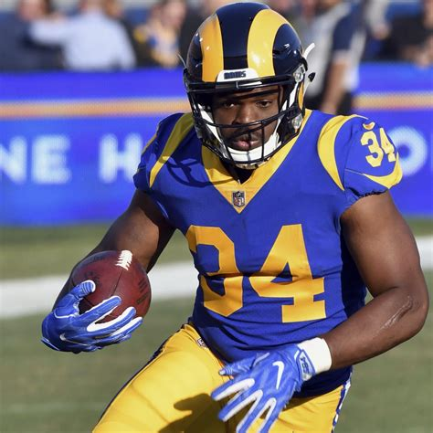 nfl rumors rams agree  contract  rb malcolm brown