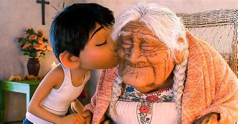 Dashuria e Gjyshërve për Nipat e Mbesat Sjell Përfitime ...