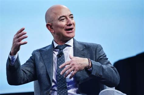 Amazon CEO, Jeff Bezos Becomes World's First Person To ...