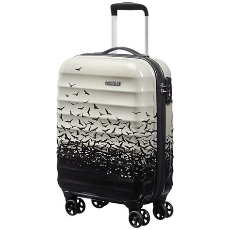cabin friendly luggage 3 stylish cabin friendly suitcases fridayedit we