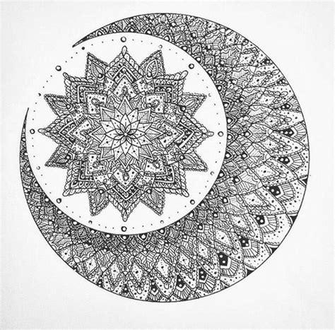 dessins pour tatouage mandala avec soleil tatouage