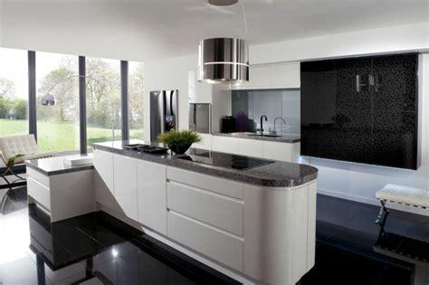 cuisine noir et blanc la cuisine blanche et en 49 idées déco intéressantes