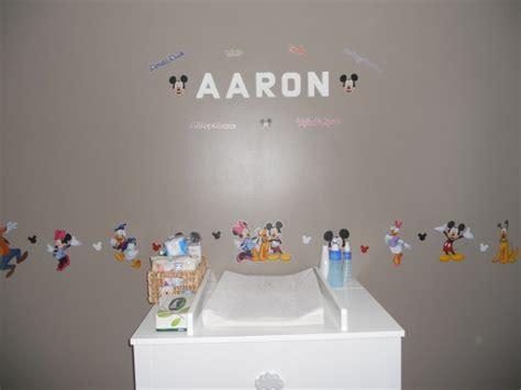 deco mickey chambre chambre bebe mickey idées de décoration et de mobilier