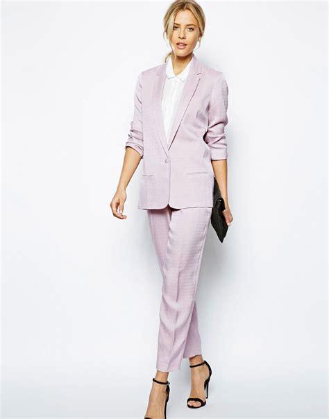 Модные летние костюмы — женские брючные модели и с юбками