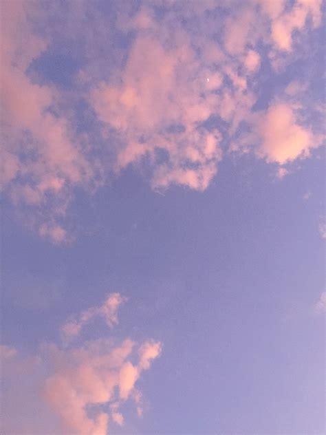 foto aesthetic langit ungu