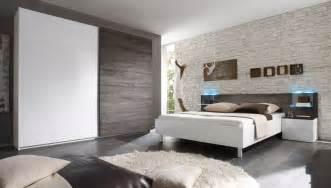 schlafzimmer wand ideen weiss braun schlafzimmer weiß hochglanz eiche wenge tambio3 designermöbel moderne möbel owl