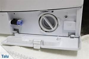 Stinkende Waschmaschine Reinigen : flusensieb der waschmaschine reinigen hilfe wenn es klemmt ~ Orissabook.com Haus und Dekorationen