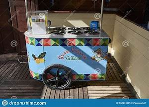 Ice cream cart editorial stock image. Image of sale - 160974209