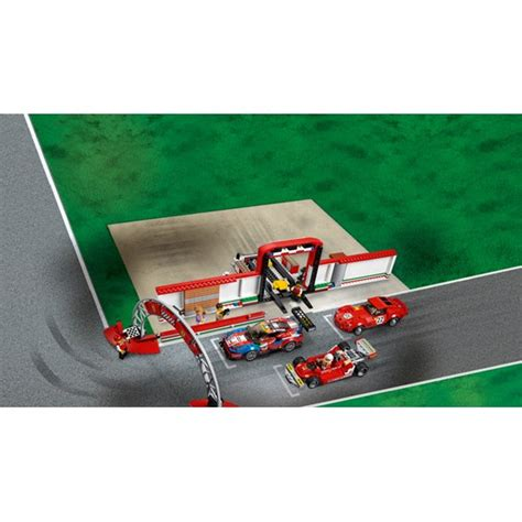 Create the lego® speed champions 75889 ferrari ultimate garage with a workshop/museum, attachable racetrack section and lego® speed champions versions of the classic ferrari 250 gto, ferrari 488 gte and historic ferrari 312 t4 cars. LEGO Speed Champions 75889, Ferrari Ultimate Garage - Lekia.no