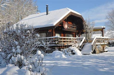 chalets jura g 238 tes 4 saisons location grand chalet bois marigny lac chalain jura gites jura