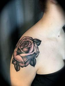 155+ Amazing Must Have Rose Tattoos (with Meanings)
