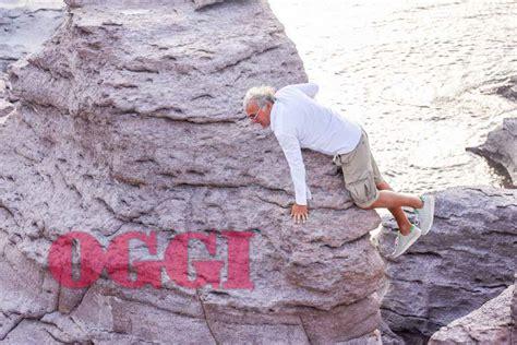 Massimo giletti aveva dedicato dieci puntate sul tema delle scarcerazioni, tanto da fermare l'ondata; Massimo Giletti ora vive sotto scorta - FOTO ESCLUSIVE ...