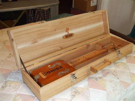 cigar box guitar  case  bill  lumberjockscom