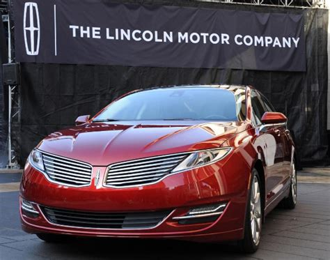 Ford Pushes To Boost Lincoln Sales With New Campaign