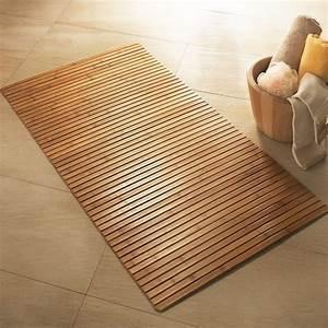 Tapis En Bois : tapis de bain en bois de bambou id es meuble salle d 39 eau ~ Teatrodelosmanantiales.com Idées de Décoration