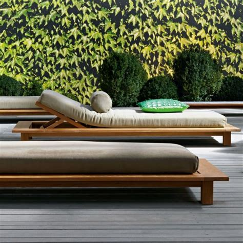chaise longue piscine 54 best lits piscine chaises longues et transats images