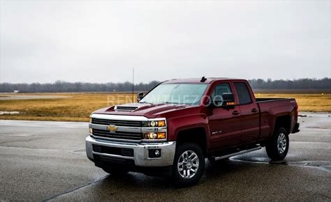 2020 gmc 2500 vs chevy 2500 chevrolet 2020 chevy 2500hd specs and features 2020