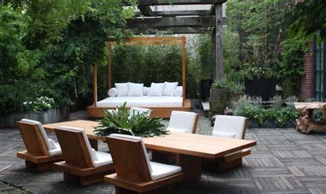 factors  love outdoor balinese furniture