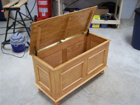 build wood toy chest