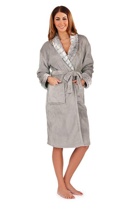 robe de chambre femme polaire avec capuche 17 meilleures idées à propos de peignoir polaire sur