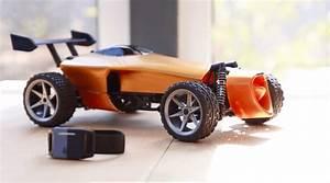 Ceder Une Voiture : pilotez une voiture miniature gr ce vos mouvements du poignet tech numerama ~ Gottalentnigeria.com Avis de Voitures
