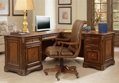 le bureau bois le bureau en bois massif est une classique qui ne se
