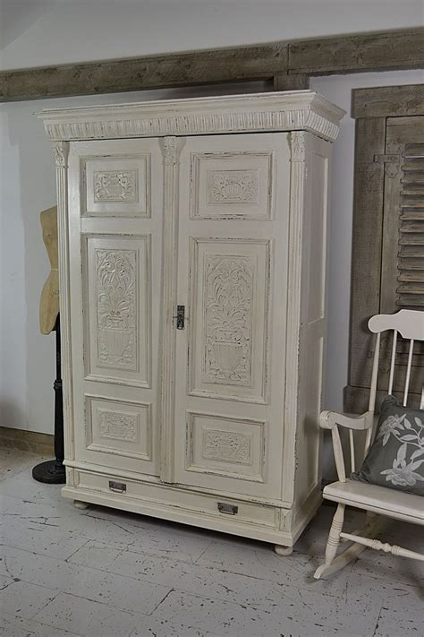 painting wooden furniture shabby chic best 25 pine wardrobe ideas only on pinterest painting pine furniture buy bedroom furniture