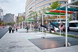 Musical light swings on the streets of montreal colossal for Musical swings on the streets of montreal