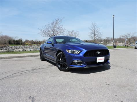ford mustang ecoboost 2015 ford mustang v6 vs ford mustang ecoboost autoguide