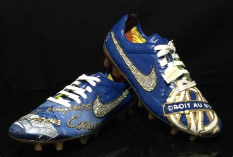 foot om andre ayew  des chaussures incroyables pour son depart de lom foot