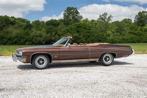 Pictures of Buick Centurion 2-door Hardtop (46647) 1971 ...