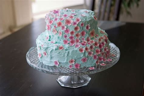 cakes decorated with flowers wedding dazed sweet tiny sugar flower cakes